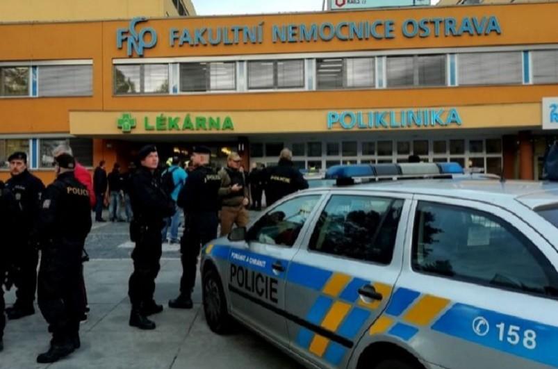 Homem matou a tiro seis pessoas num hospital da República Checa
