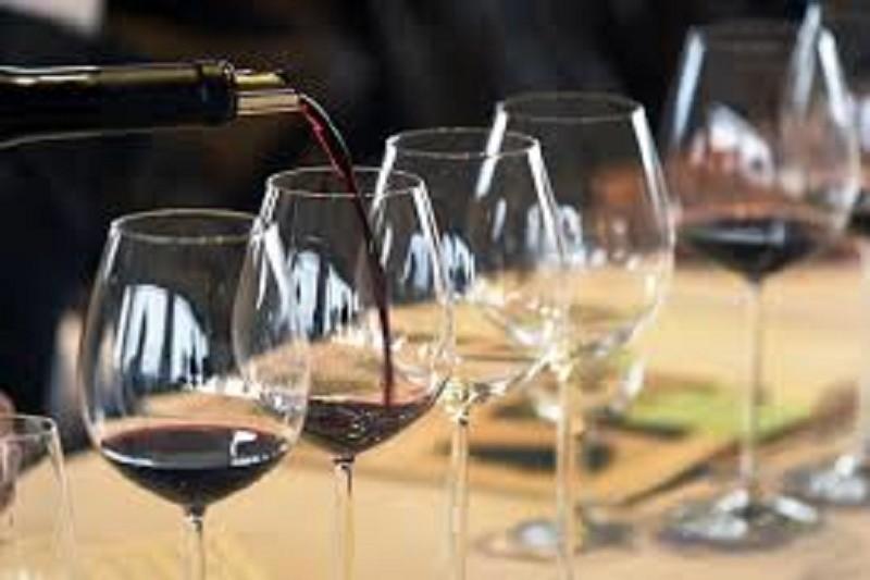 Lusodescendente leva vinhos portugueses a restaurantes de Paris