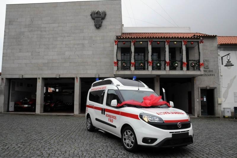 Bombeiros de Fão recebem nova ambulância em dia de aniversário
