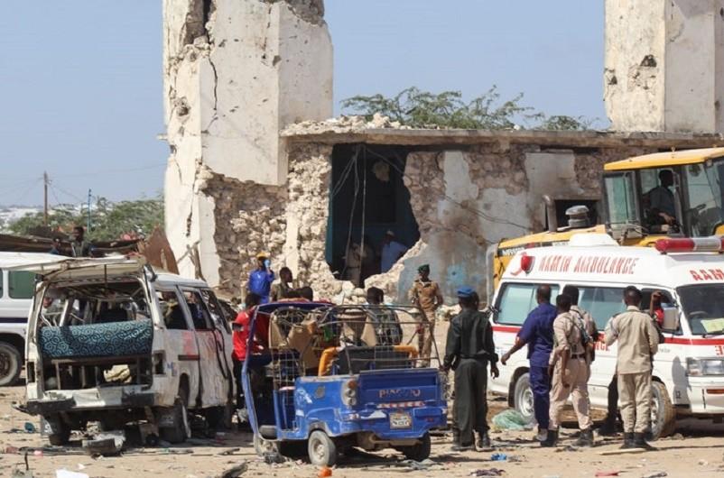 Sobe para pelo menos 92 os mortos num atentado em Mogadíscio na Somália