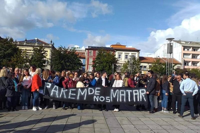 Lençóis brancos para lembrar vítimas da violência doméstica