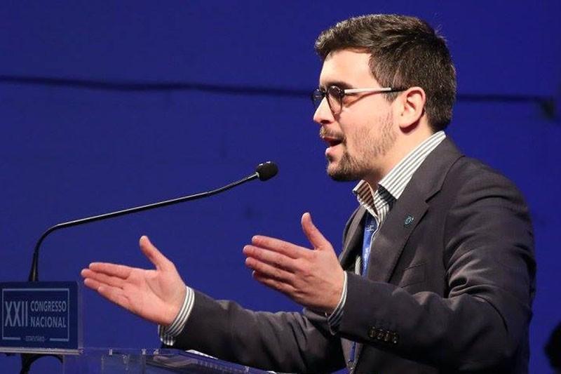 Divergências partidárias afastam assessor da Câmara Municipal