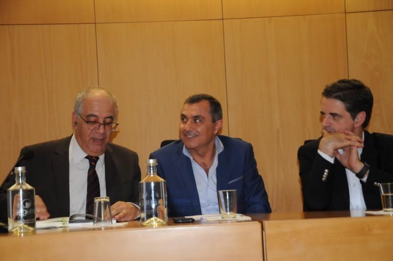 Joaquim da Silva Gomes reúne selecção de 30 anos de crónicas