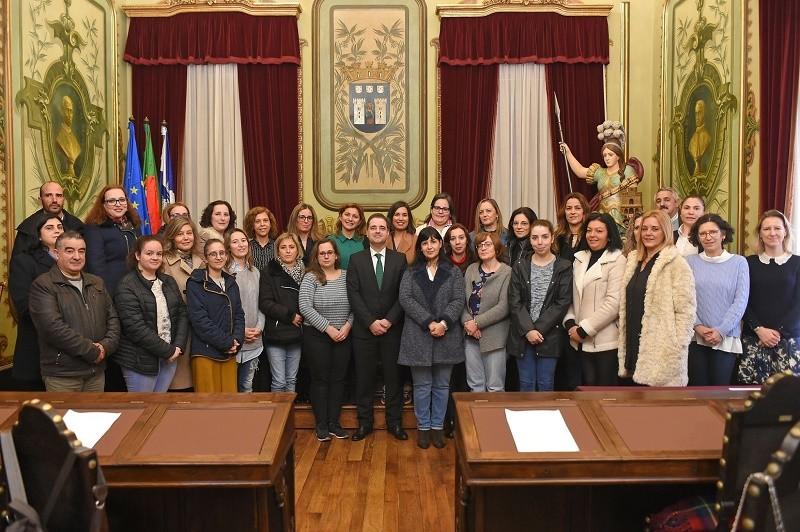 Câmara de Braga contrata 29 assistentes operacionais para melhorar serviço educativo