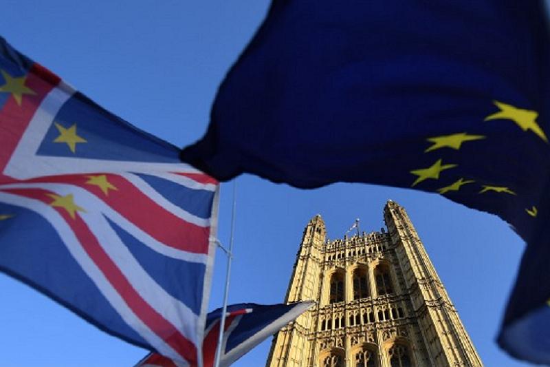 Saída do Reino Unido da União Europeia já custou mais de 150 mil ME