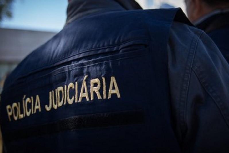 PJ deteve quatro suspeitos de 10 crimes de roubo com armas de fogo no Porto e Braga