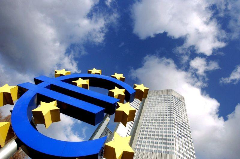 UE/Previsões: Bruxelas revê em ligeira baixa crescimento da zona euro em 2020