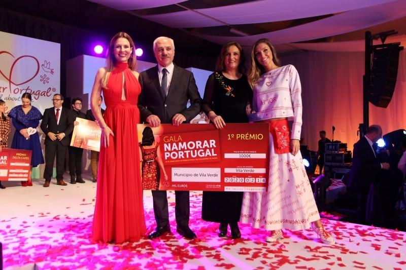 Cátia Rascão vence com modelo casual chic inspirado nos Lenços de Namorados