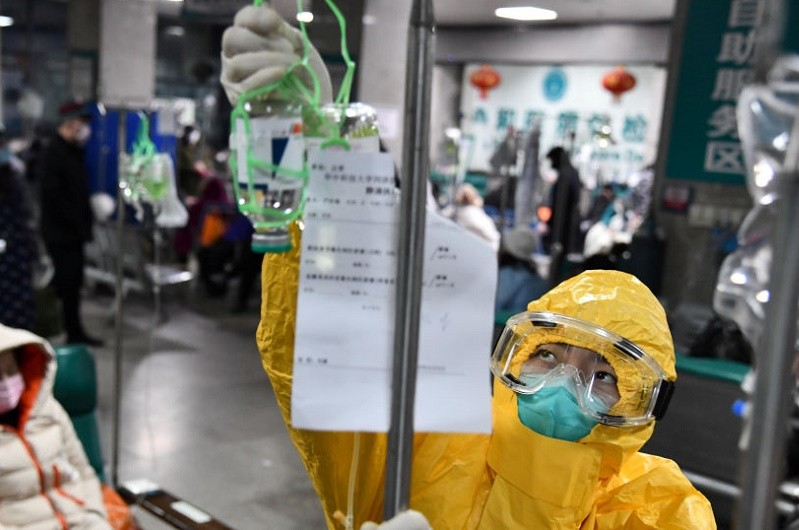 Covid-19: Número de mortos sobe para 2.442 na China continental