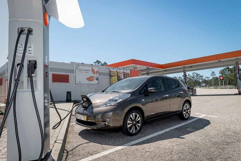Galp e Nissan acordam instalar 20 pontos de carregamento rápido para veículos elétricos