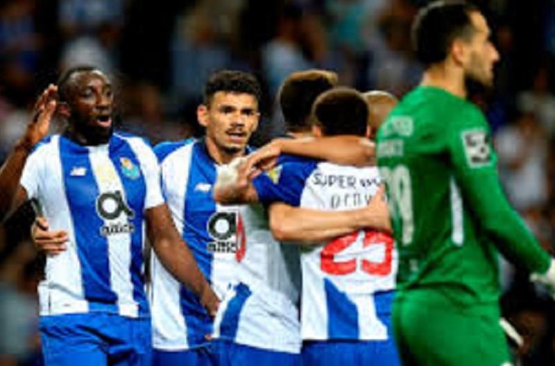FC Porto vence nos Açores e assume liderança provisória