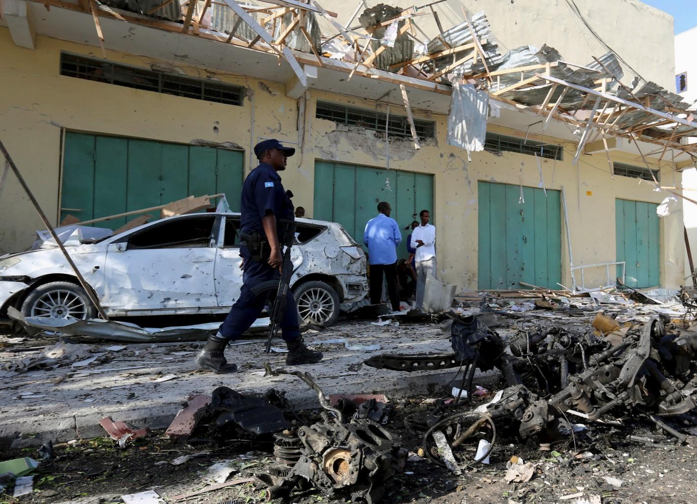 Ataque a hotel na Somália faz 26 mortos e 56 feridos