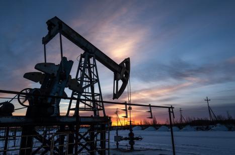 Covid-19: Barril de petróleo Brent afundou-se 26% até 33,36 dólares