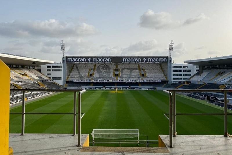 Covid-19: Vitória vai reembolsar quem comprou bilhete para jogo com Sporting