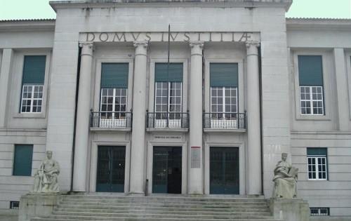 Violência doméstica: Prisão preventiva para suspeito de agredir companheira em Guimarães