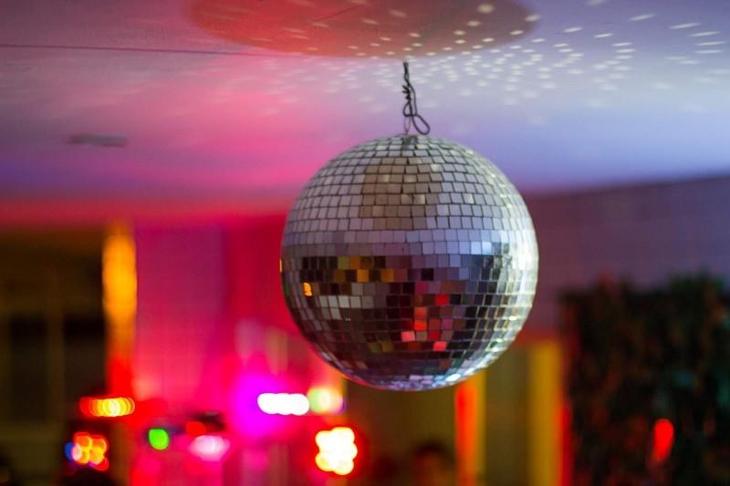 Covid-19: Sessão on-line recria tardes dos anos 80 em discoteca de Viana do Castelo