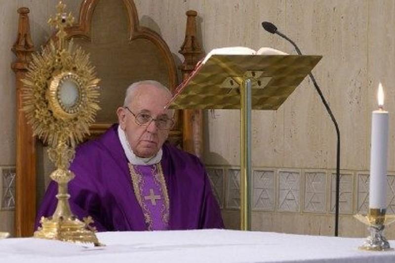 Covid-19: Papa convoca fiéis em todo o mundo para rezar um Pai Nosso a 25 de março
