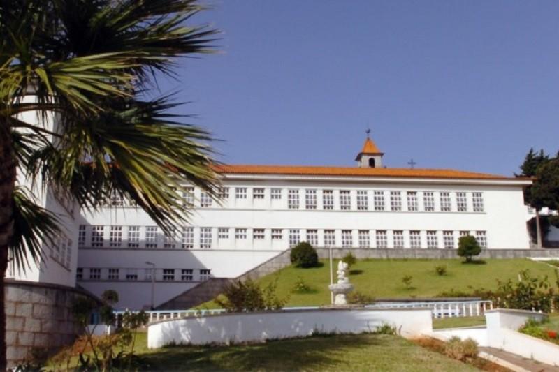 Covid-19: Pelo menos três infetados no hospital prisional de Caxias e no EP Porto