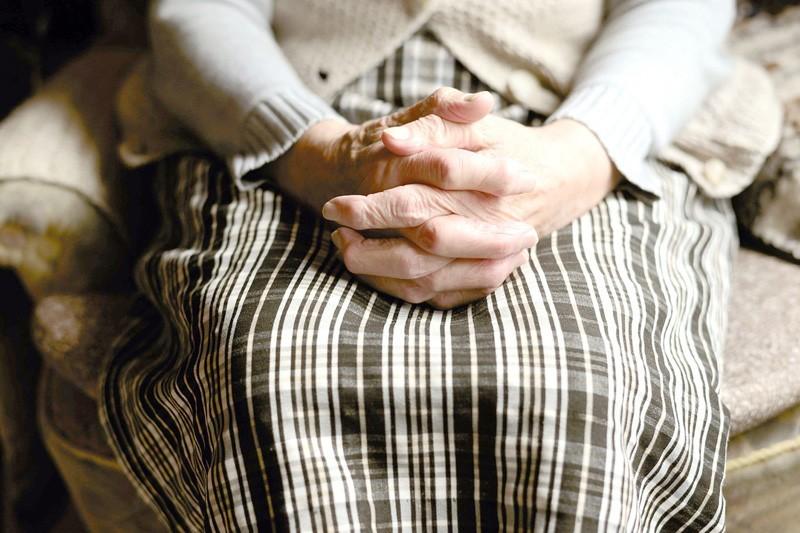 Covid-19: Visitas a lares não serão suspensas, diz Marta Temido