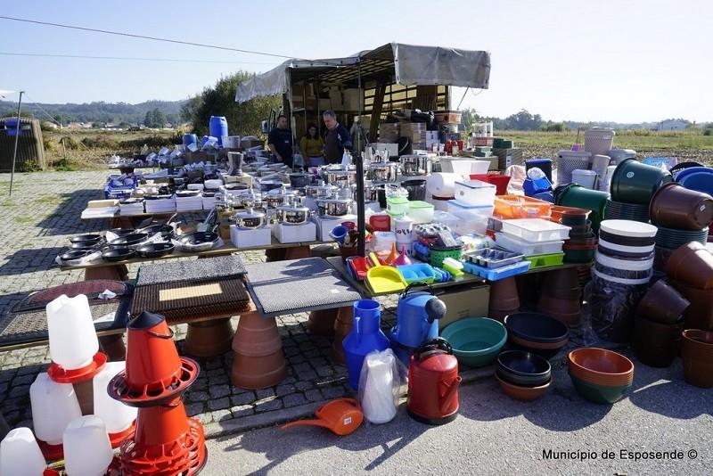 Covid-19: Esposende isenta feiras, mercado e venda ambulante de taxas até junho