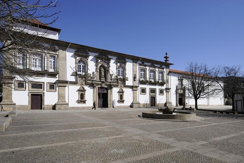 Câmara de Guimarães vai atribuir 1,5 milhões de euros a instituições sociais