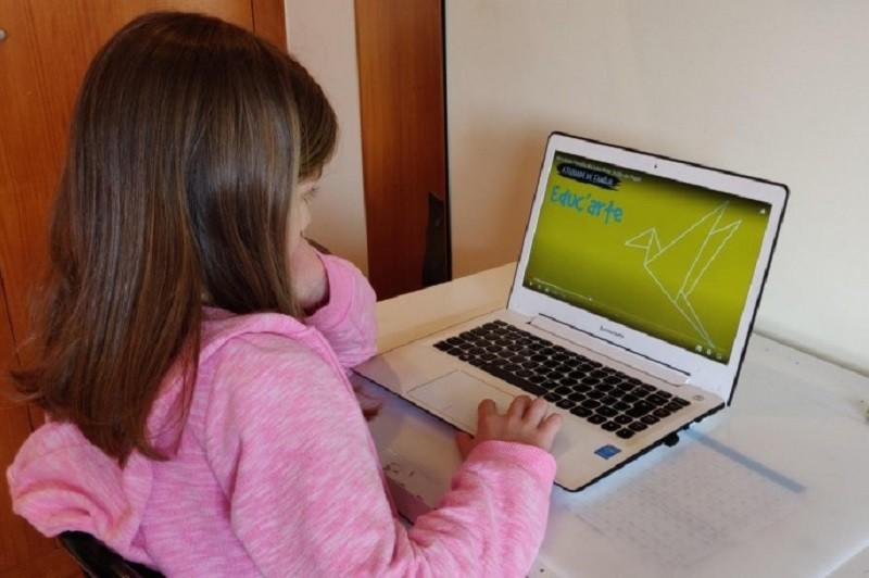 Actividades extracurriculares prosseguem em canais digitais