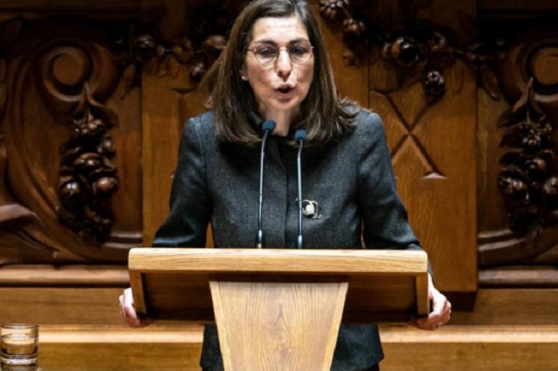 25 Abril: Líder parlamentar do PS diz que críticas têm base