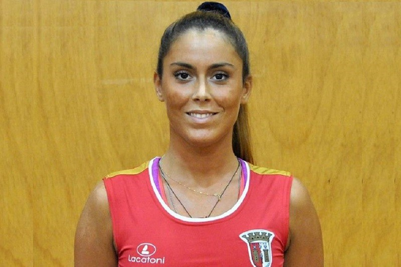Covid-19: Com o voleibol suspenso, Ana Rita Barros dedica-se à farmácia