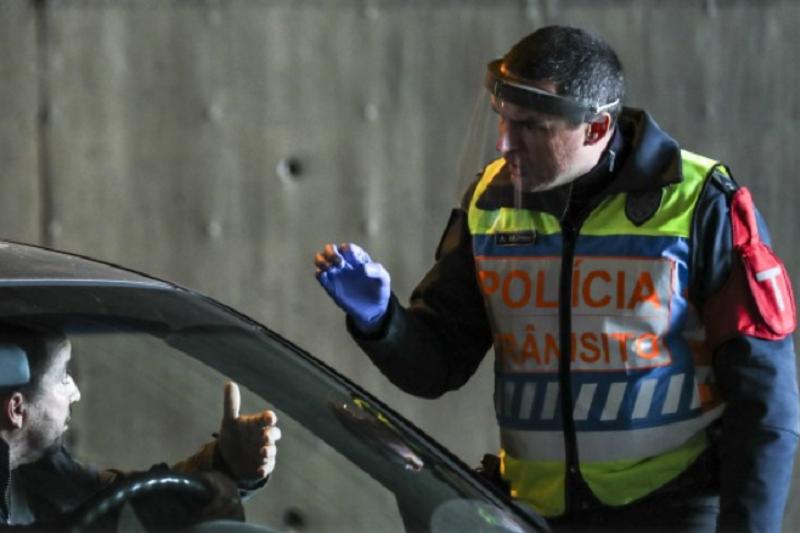 Covid-19: Mais 14 detidos por desobediência no âmbito do estado de emergência
