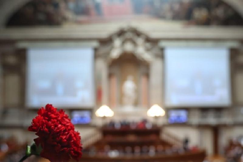 25 Abril: Serviços do parlamento e da DGS vão ter reunião de trabalho na 2.ª feira