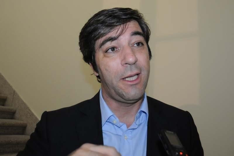 Covid-19: Arcos de Valdevez investe 40 mil euros em computadores para mais de 200 alunos