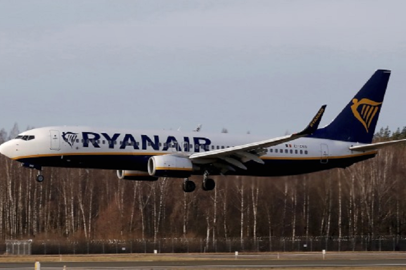 Covid-19: Ryanair não retoma voos se tiver de deixar lugares vazios para manter distâncias