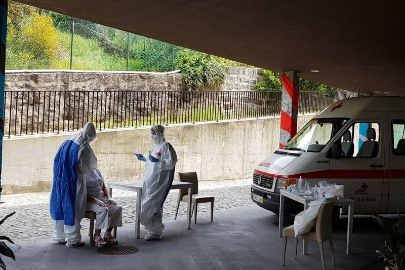 Covid-19: Guimarães garante testes a todos os utentes e funcionários de lares do concelho