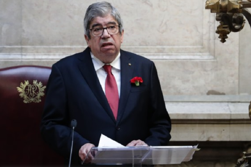 25 Abril: Os portugueses estão vacinados contra a austeridade  Ferro Rodrigues