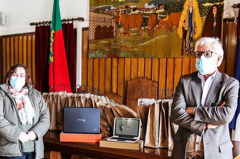 Covid-19: Montalegre garante computador e internet a 115 alunos carenciados