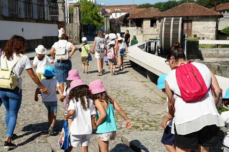 Mil alunos do concelho conhecem os recantos de Guimarães