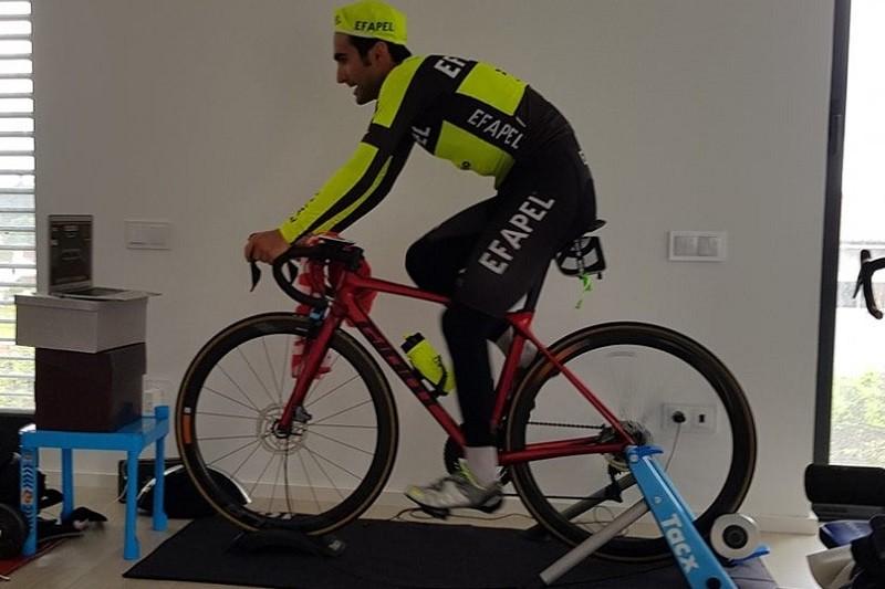 Covid-19: Tiago Machado continua a pedalar em segurança à espera da Volta a Portugal