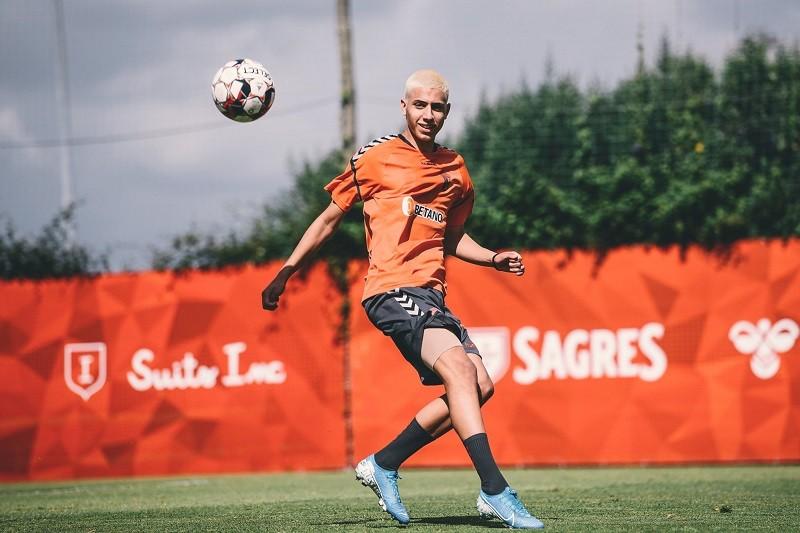 Jovens internacionais Yan e Falé passam a integrar plantel do Sporting Clube de Braga