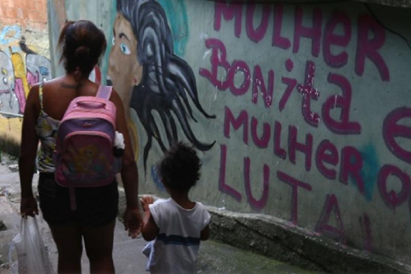 Covid-19: 1/4 das pessoas de famílias que ganhavam até 650 euros perdeu todo o rendimento - inquérito