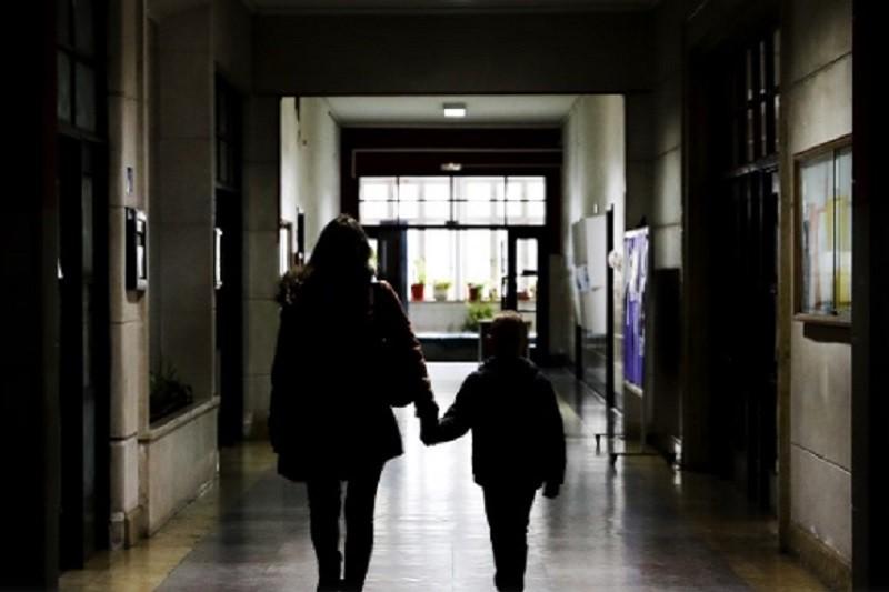 Covid-19: Alunos devem ser organizados por grupos para não se cruzarem nas escolas