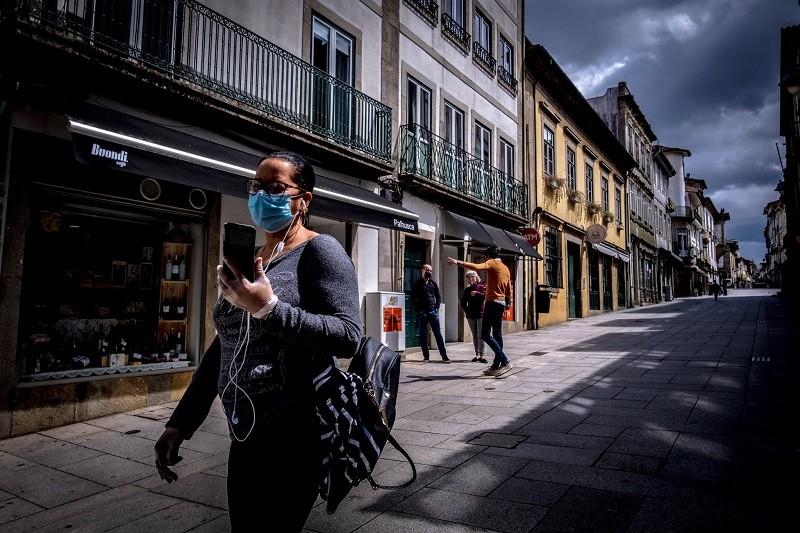 Covid-19: Braga autoriza reabertura de estabelecimentos com mais de 400 metros quadrados