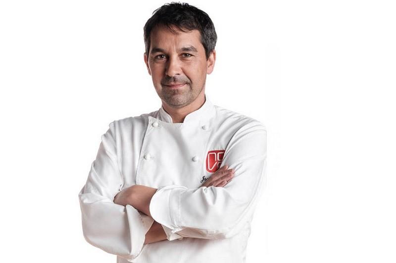 Chef Michelin galego cozinha para trabalhadores da dst