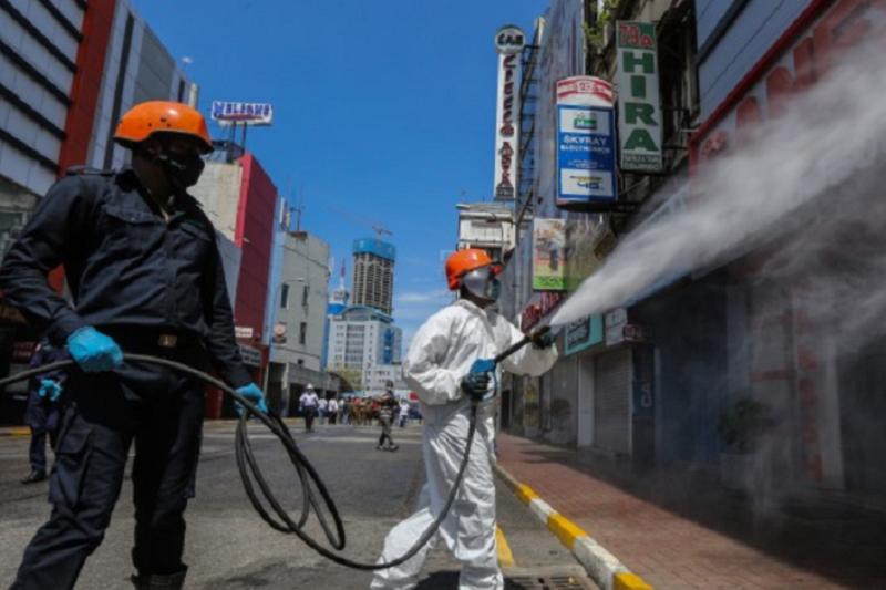 Covid-19: DGS avisa que limpar grandes superfícies com desinfetante não é eficaz