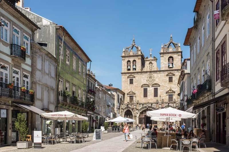 Comerciantes de Braga já podem submeter pedidos de instalação de esplanadas