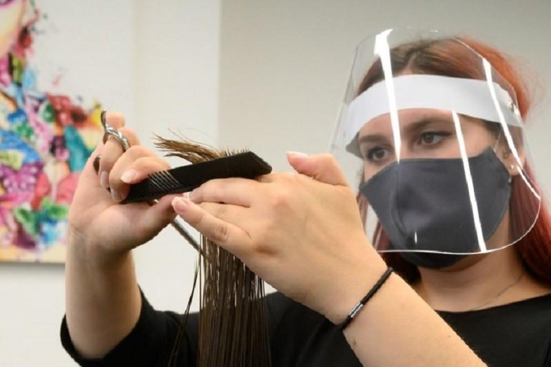 Comércio local e cabeleireiros podem abrir na próxima segunda-feira