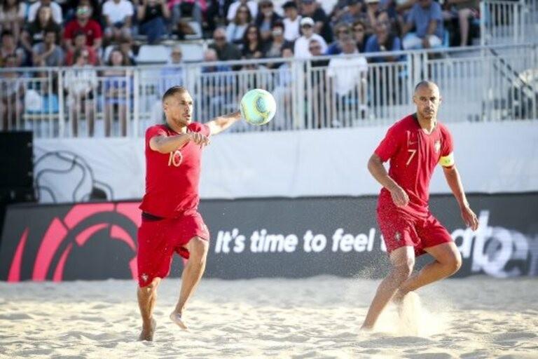 Portugal bate Polónia e decide com Itália acesso ao Mundial de futebol de praia