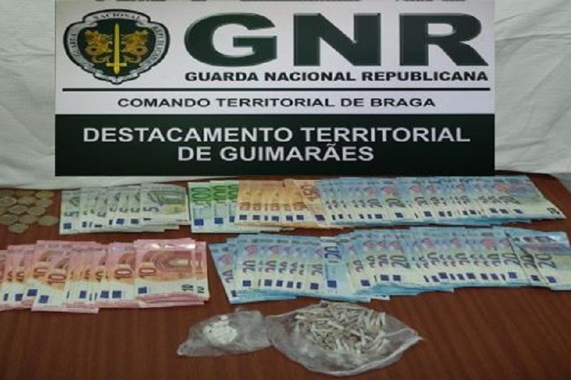 Caldas de Vizela  Detido na posse de 281 doses de heroína