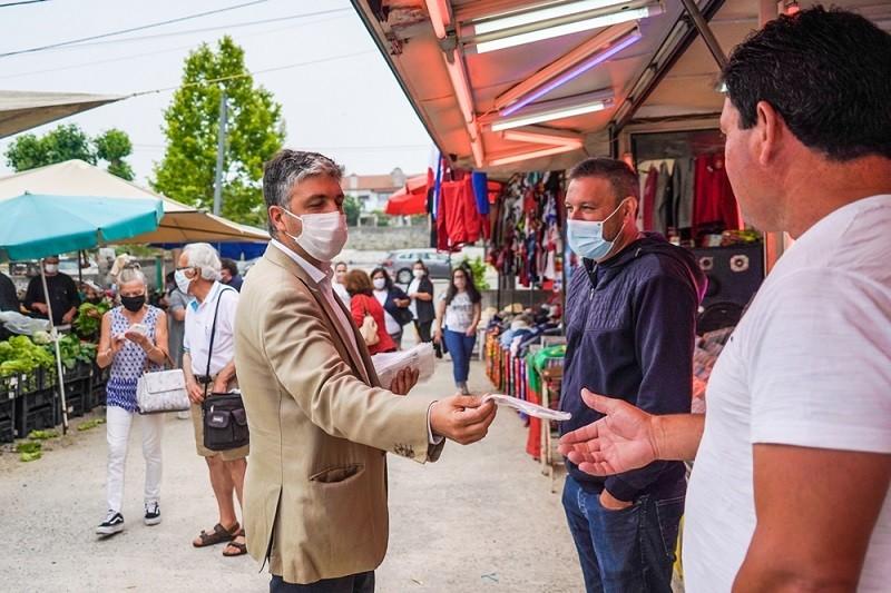Junta de Soutelo distribuiu máscaras no regresso em pleno da Feira do Alívio