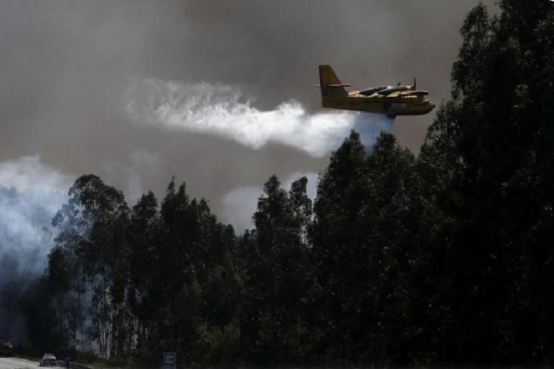 Meios de combate aos incêndios reforçados com dispositivo na máxima capacidade