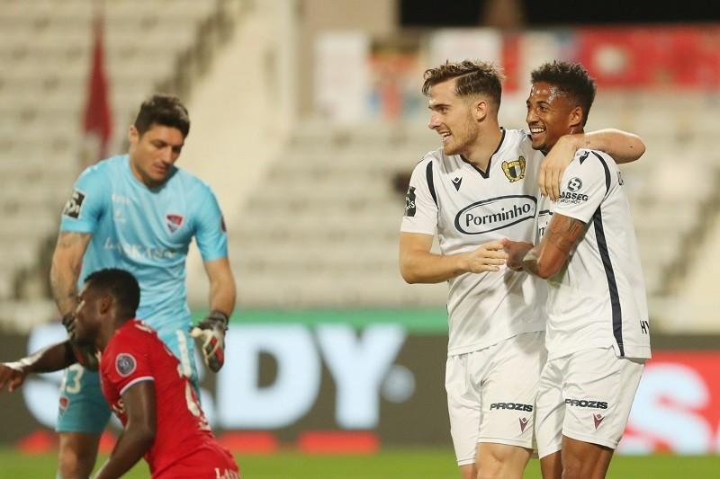 Famalicão vence na deslocação ao Gil Vicente e iguala Sporting